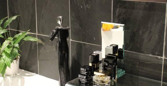 Bath and Slate closeup